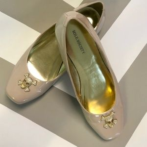 Sole Society Nude Beige Patent Skull Flats 8.5